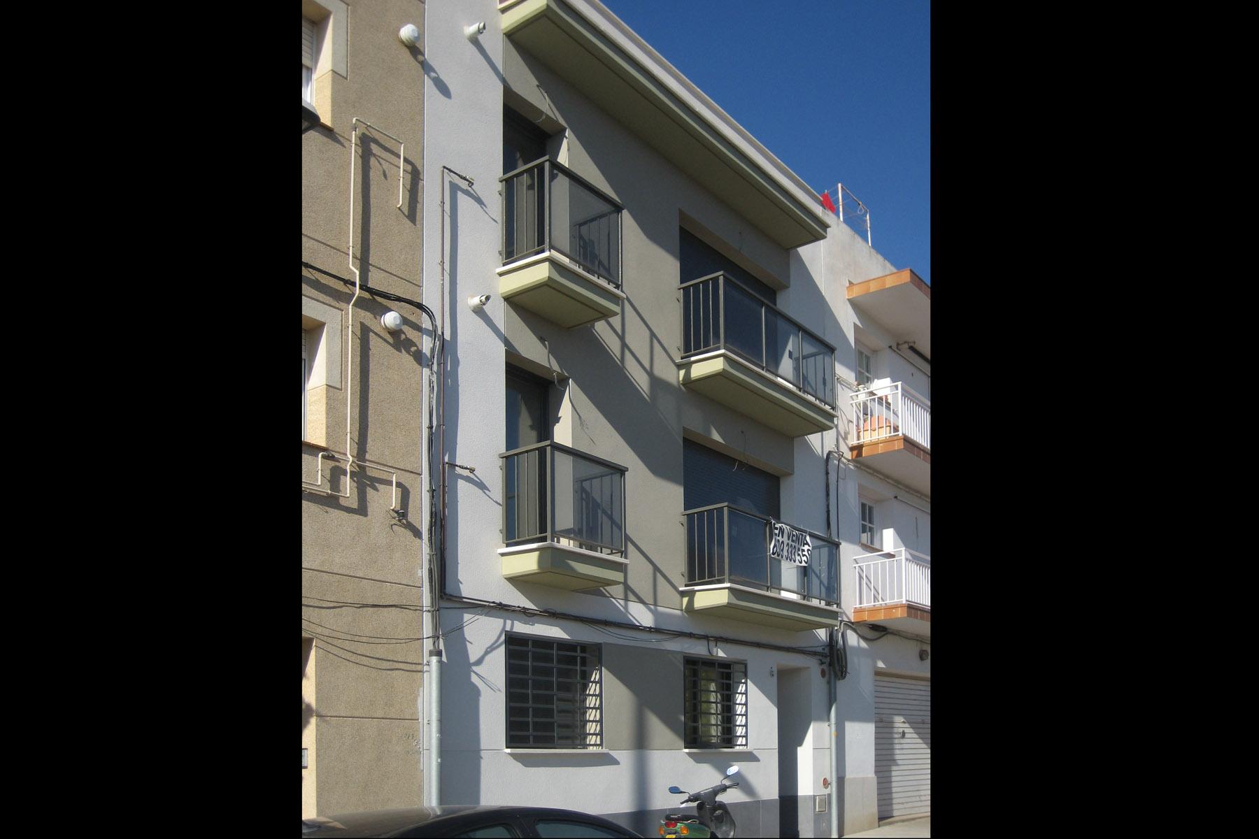 Vivienda-Plurifamiliar-Subur-Sant-Pere-Ribes-Barcelona-01