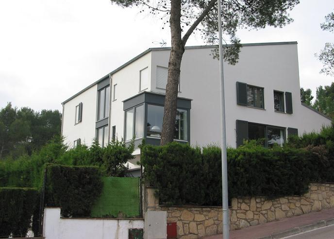 casa-pape-bassewitz-prefabricated-single-family-house-santa-maria-de-lavall-corbera-de-llobregat-barcelona-02