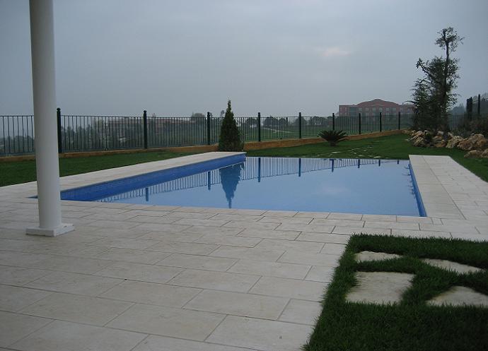 golf-masia-bach-prefabricated-single-family-house-sant-esteve-sesrovires-barcelona-03