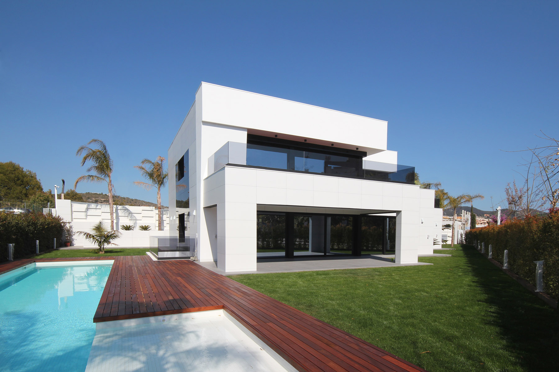 Single-family-house-in-la-plana-of-sitges-barcelona-02